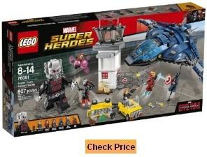 UntitledLEGO Super Heroes Super Hero Airport Battle 76051