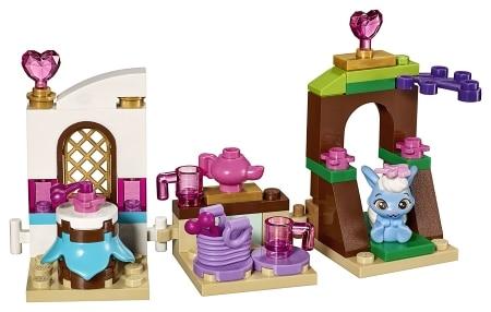 LEGO Disney Princess Berry's Kitchen 41143 Set
