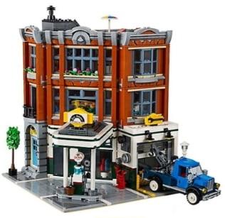 LEGO Creator Corner Garage 10264